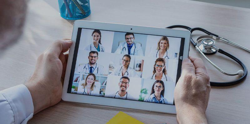 医療に特化した Webカンファレンスシステム
